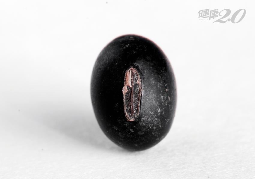 自製黑豆水消腫利濕!泡水前做「這件事」效果更好