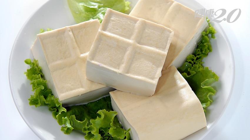 補鈣,要吃傳統豆腐還是嫩豆腐?營養師告訴你,還要破解豆腐迷思