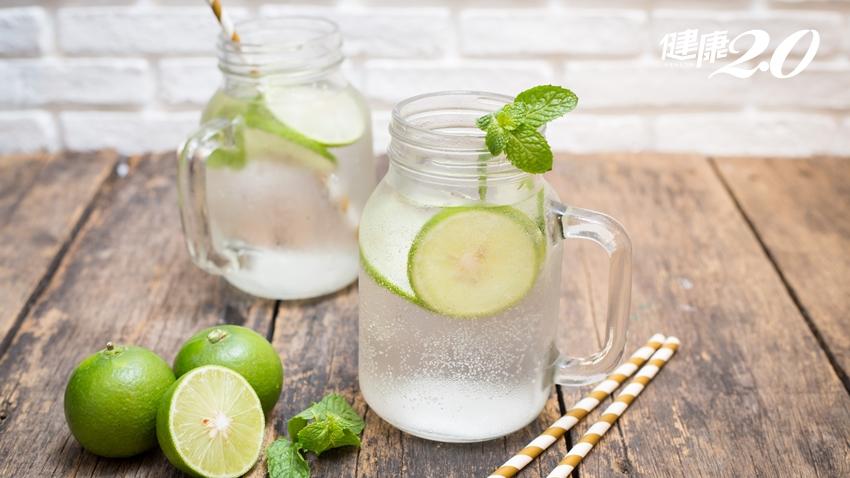 學女星「檸檬水減肥」?營養師:只喝檸檬水沒用,還有1件事