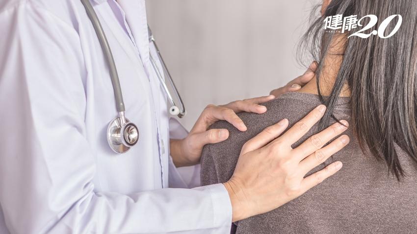肩頸痠痛不要來 治療師說這2組伸展動作必學