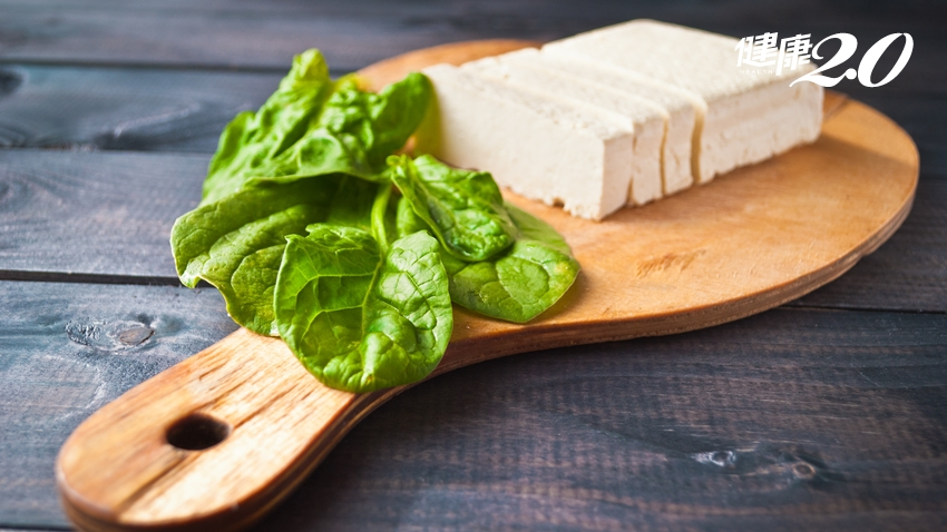 菠菜豆腐、牛奶、鈣片引發結石?醫師駁斥:缺鈣才會!