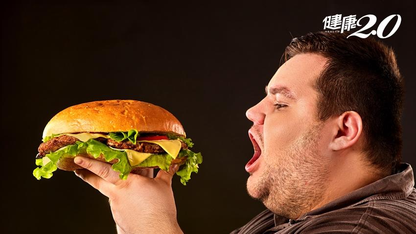 漢堡炸雞天天3瓶2000cc飲料,男孩胖到糖尿病上身