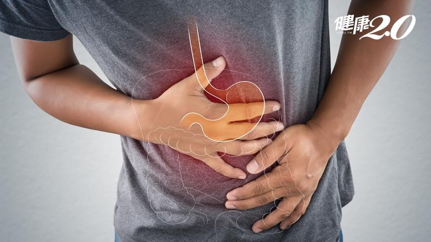 胃潰瘍會轉成胃癌?「肩膀鎖骨」若出現「這個」要有警覺!