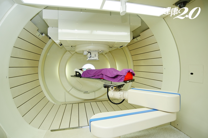 食道癌難治療?質子治療新利器,讓腫瘤完全消失