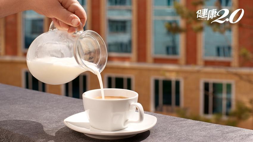喝紅茶、咖啡加牛奶真的可防結石!醫師教結石這樣防