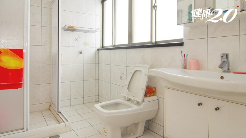 浴室危機四伏!3個省錢改造撇步,避免長輩跌倒撞傷
