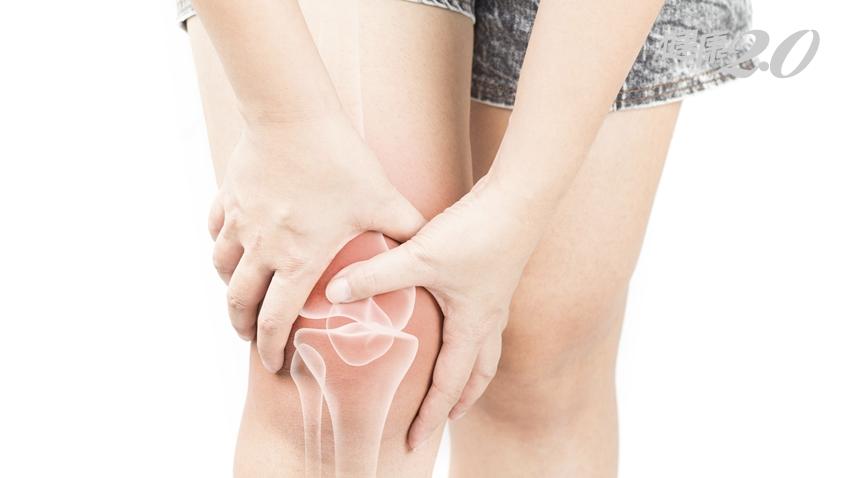 補鈣防骨鬆,鈣片怎麼挑?台大醫師「一張表」吃對關鍵成分