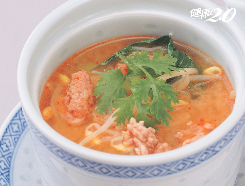 萬能食材「豆芽菜」煮湯喝,低醣有飽足感不發胖