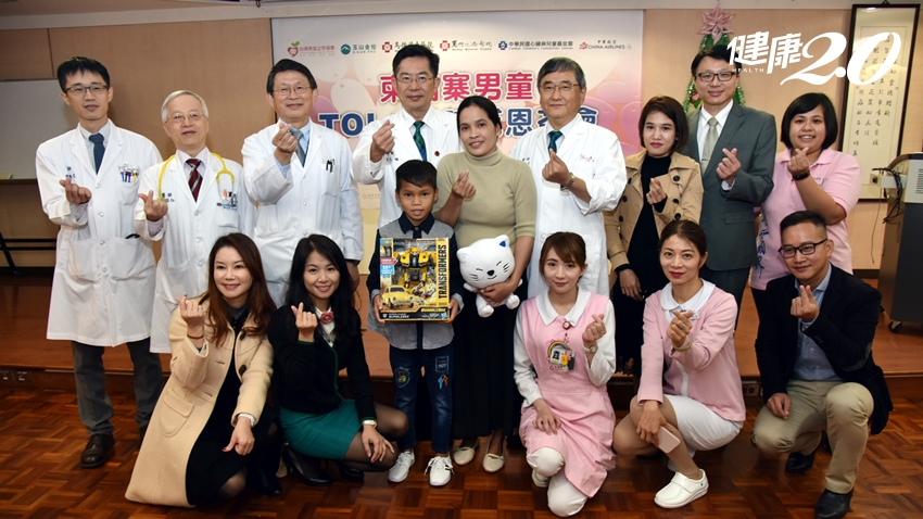 心臟破洞4公分長達10年…台灣暖醫幫柬埔寨男童「補起來」了