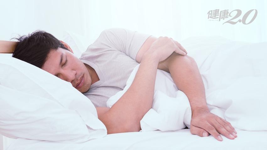 睡覺不翻身,讓手臂「不舉」!4個危險動作惹上這疾病