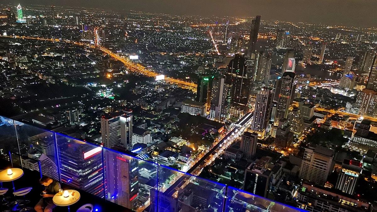 趴著看更刺激!泰國78樓「玻璃透明步道」