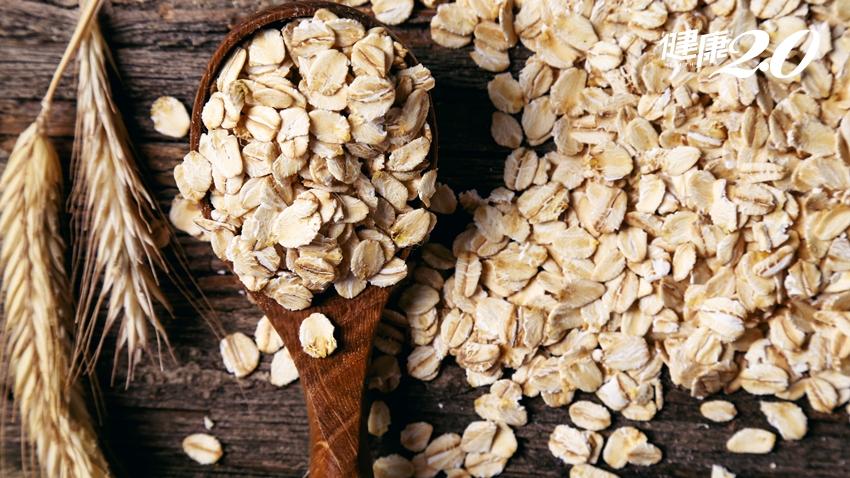 燕麥片是整腸高手!2種膳食纖維要吃「黃金比例」才有效