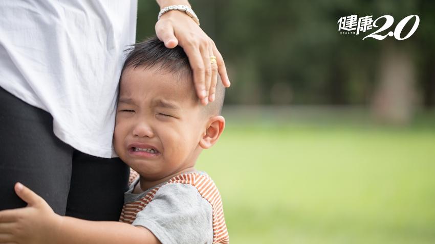 孩子嘴歪眼斜以為中風,竟是淋巴癌!父母注意:兒童癌症9警訊