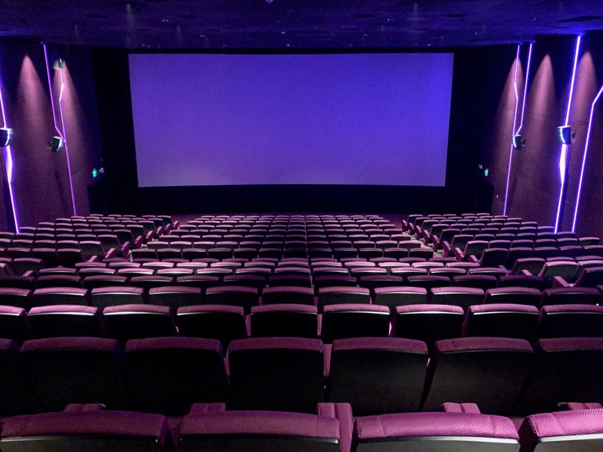 21場所「微解封」指引出爐!5大鬆綁對象、餐飲內用準則一次看,電影院全面禁食