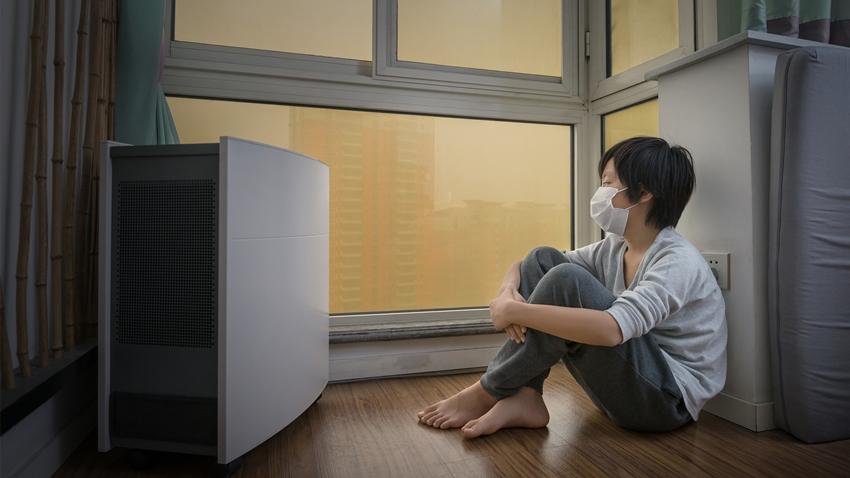 開冷氣飄出「霉味」?小心黴菌吸進肺裡!專家這樣清去黴不過敏
