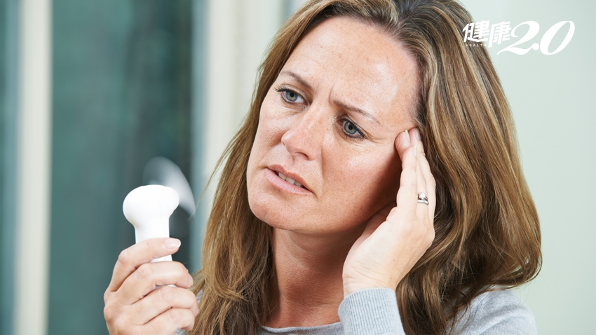 熱潮紅、心悸、失眠、易怒… 減緩更年期不適這些食物天天吃