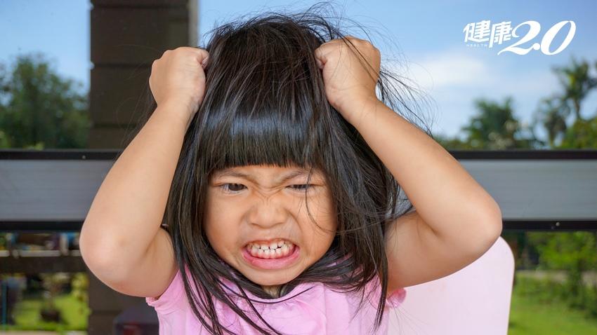 畏光、耳鳴、便祕、肚子痛…這些竟然都是偏頭痛的附加症狀