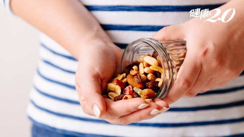 每天一把堅果真的好?花生、瓜子和腰果誰厲害?營養師大破解