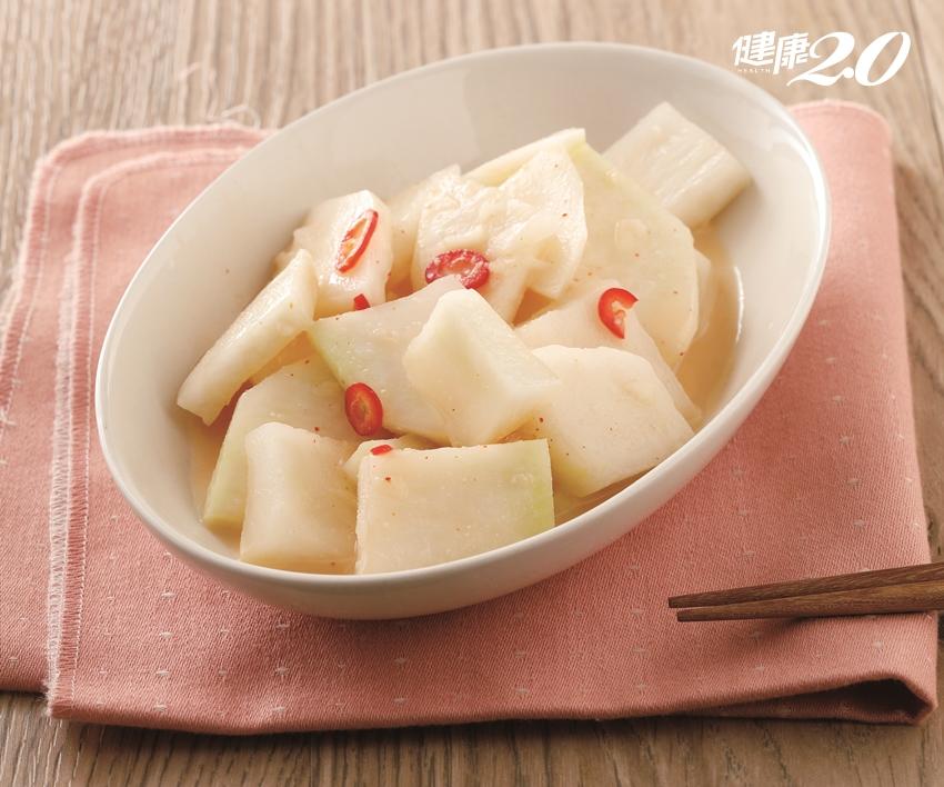 天氣熱沒食慾?大廚教你做小菜,涼拌上桌補水又開胃