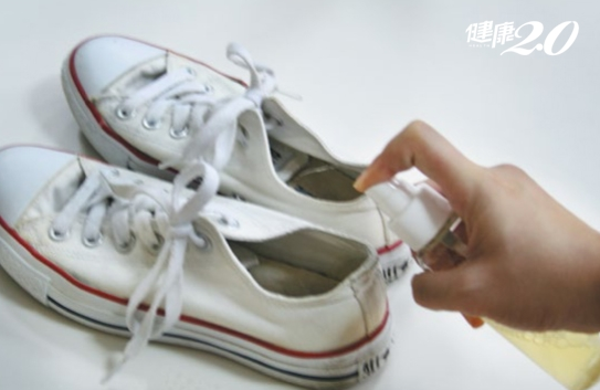 天然ㄟ尚好!自製鞋子除臭噴霧、去污抗菌除漬皂