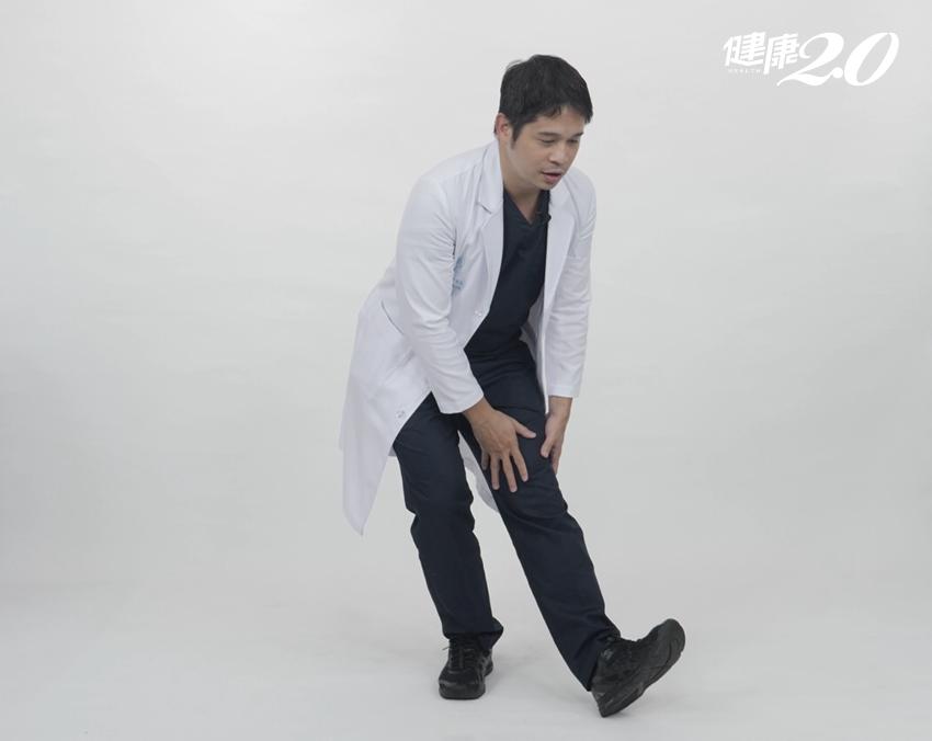 膝蓋卡卡的?復健科暖醫親授「自救4招」