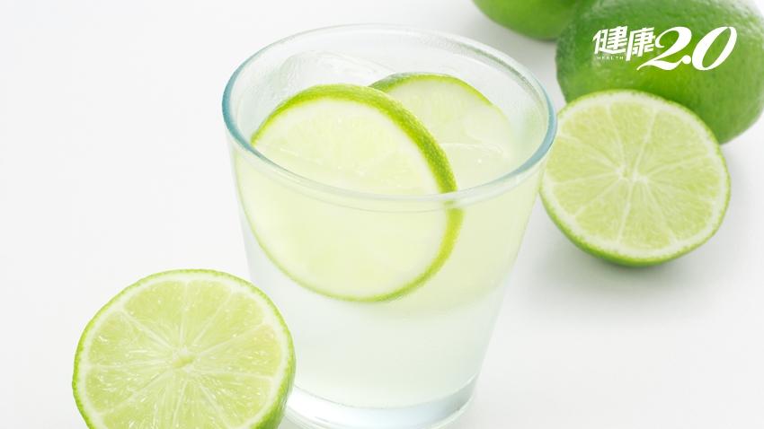 「檸檬水」減肥、防骨鬆、清血管!夏天喝止渴解暑 6種人要小心喝