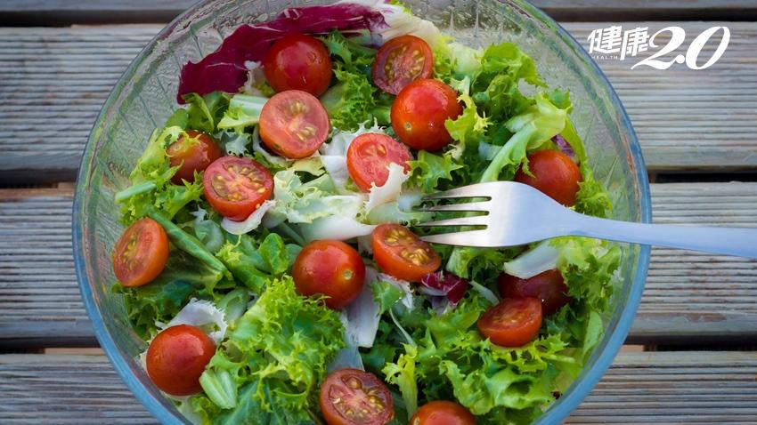 白帶變多與吃生菜沙拉有關?快檢查是否有這些NG習慣