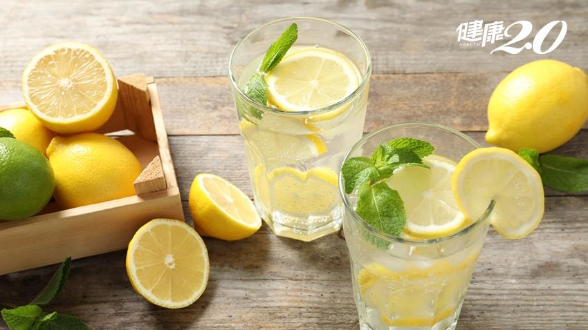 喝檸檬水可以調整體質?國健署直接打臉,真相是…