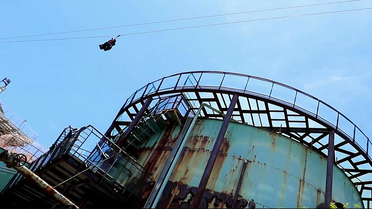 台南新玩法!20公尺高飛天掃帚來了,暑假必玩真實版魔女宅急便、哈利波特