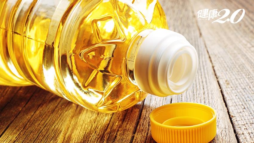 生活危險食品!你家的油是寶特瓶裝的?小心2個陷阱