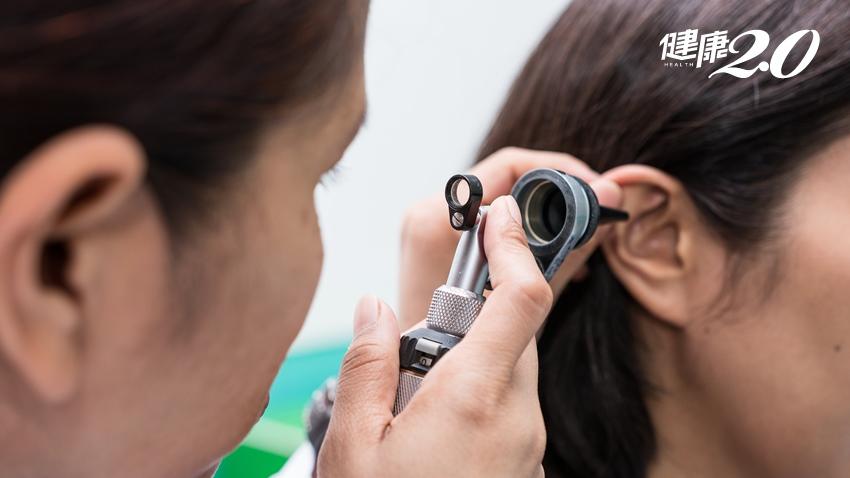 耳屎挖不出來、流膿、聽不到…竟是耳朵長滿菜花 4症狀快就醫