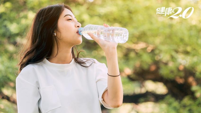 喝水有益健康 但這些「地雷行為」反而傷身