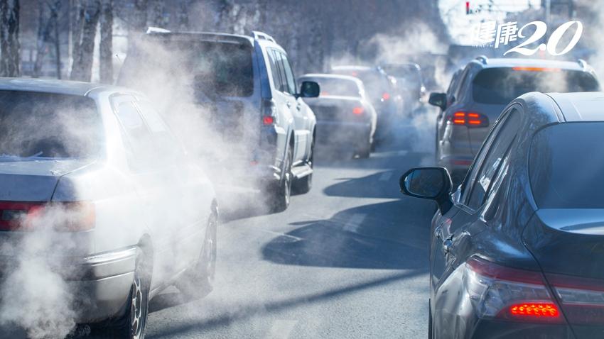 不只傷肺!最新:空污會致黃斑部病變 顧肺護眼這樣做