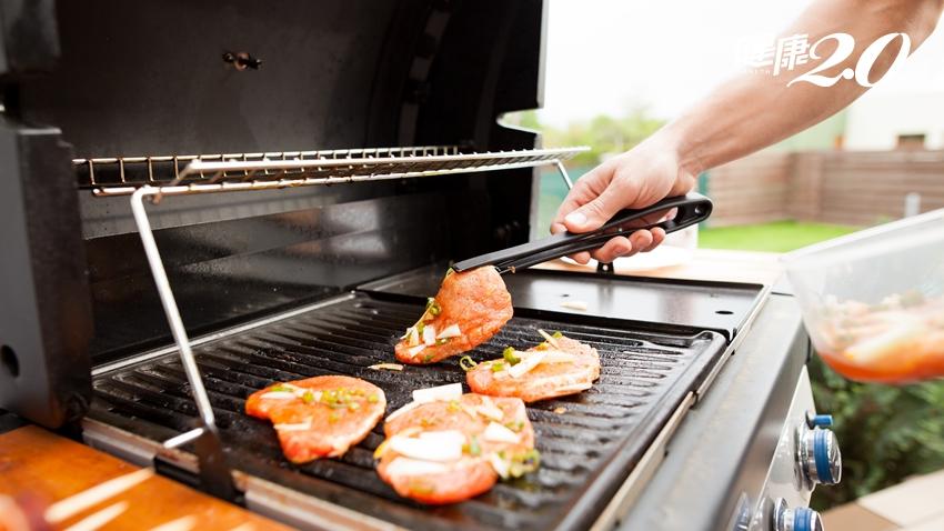 毒物專家避毒法:烤肉前,先用「這個」浸泡肉品