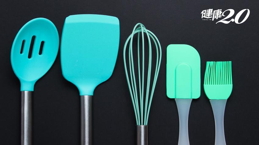 矽膠是塑膠嗎?夠安全嗎?達人傳授「1個動作」分辨劣質品
