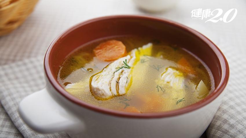 魚湯、雞湯、精力湯補身體?營養師分享3種簡易評估營養是否足夠