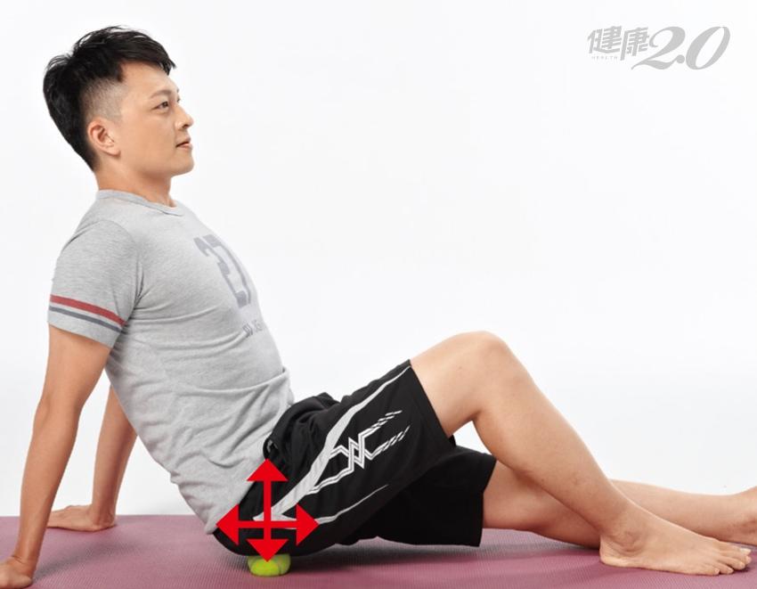 30秒網球按摩技法:放鬆局部筋膜肌肉、站跪坐臥都適用