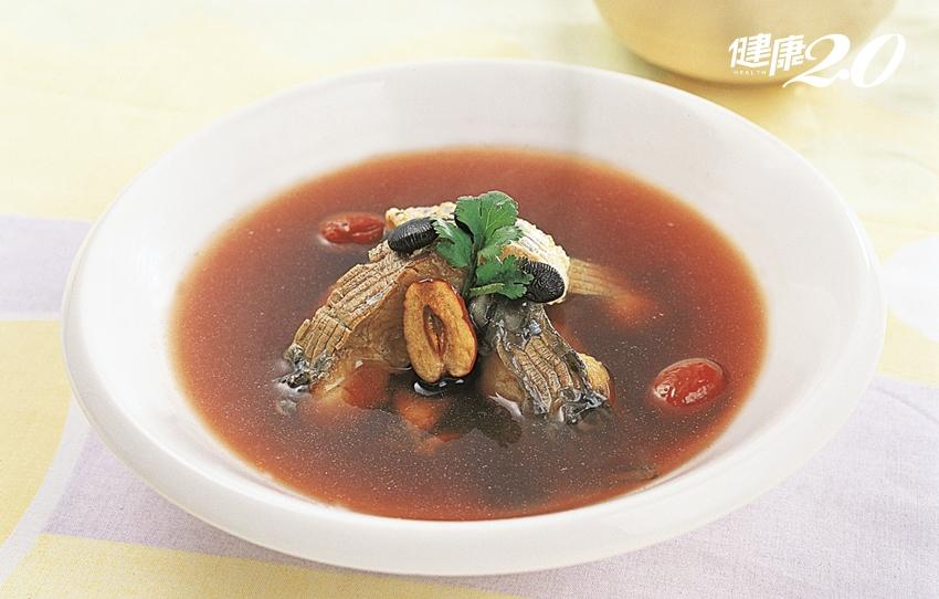 「豆中之王」補肝腎、養黑髮 3種食物和它最搭!
