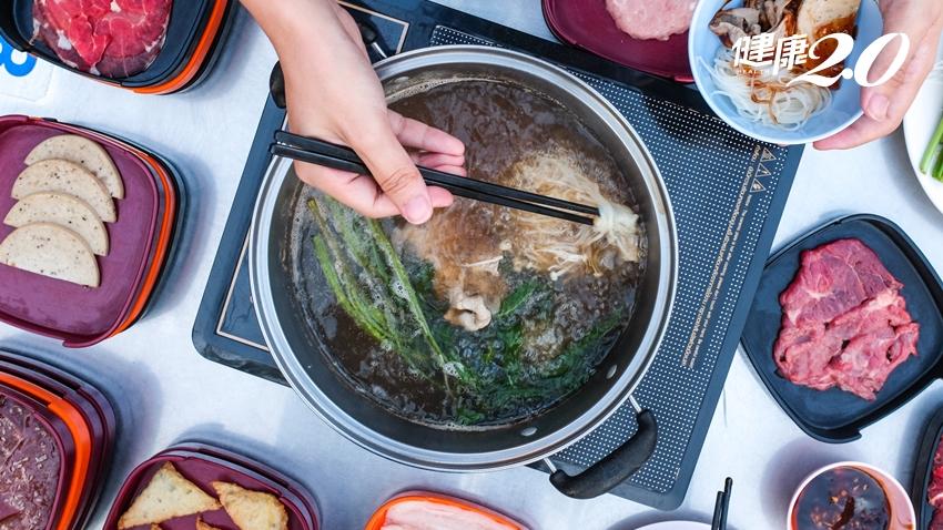 蔬菜先下鍋、不要吃冬粉…營養師傳授「聰明吃鍋6招」