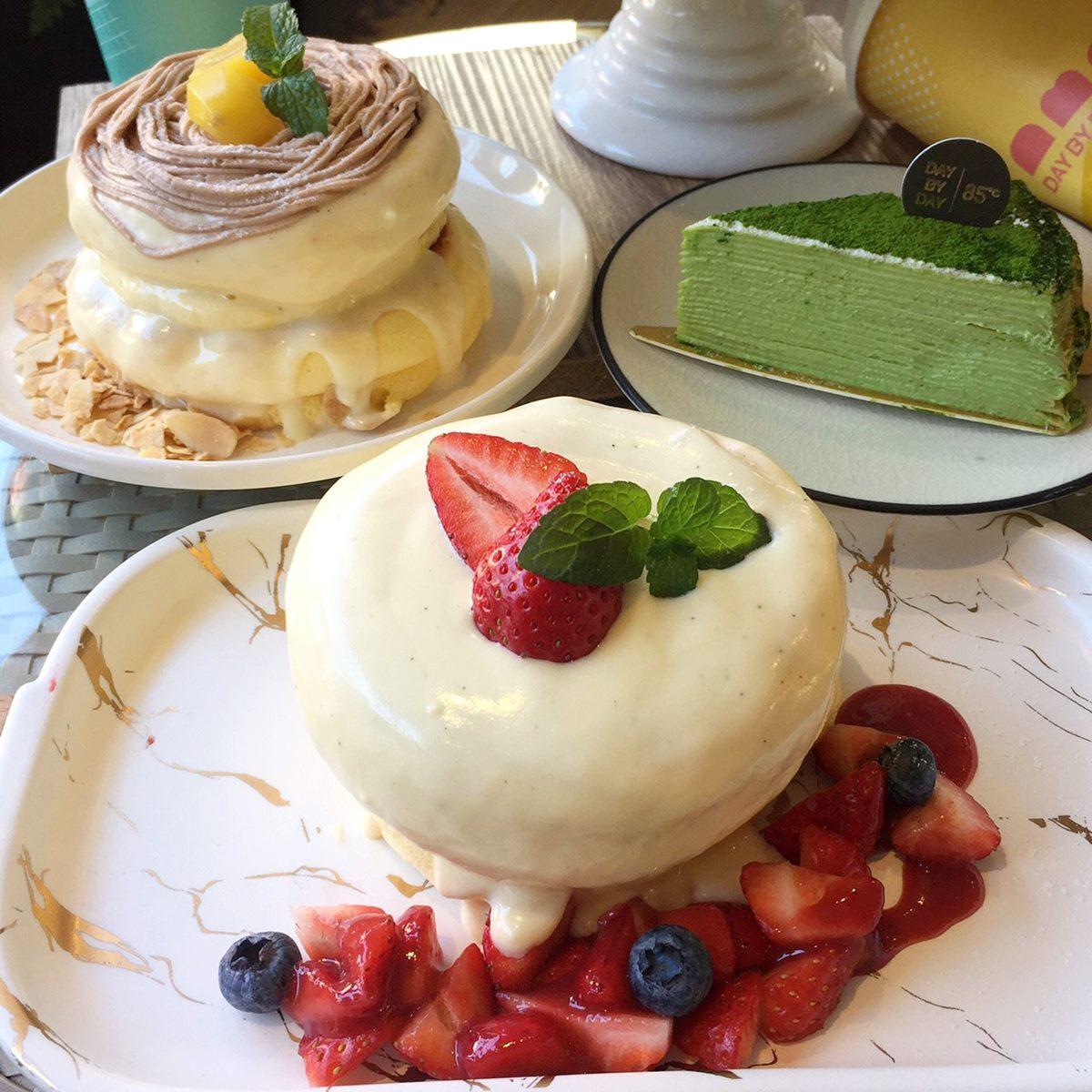 【新開店】姐妹約會囉!85ºC新網美咖啡廳「DAY BY DAY」,搶吃韓式厚煎吐司