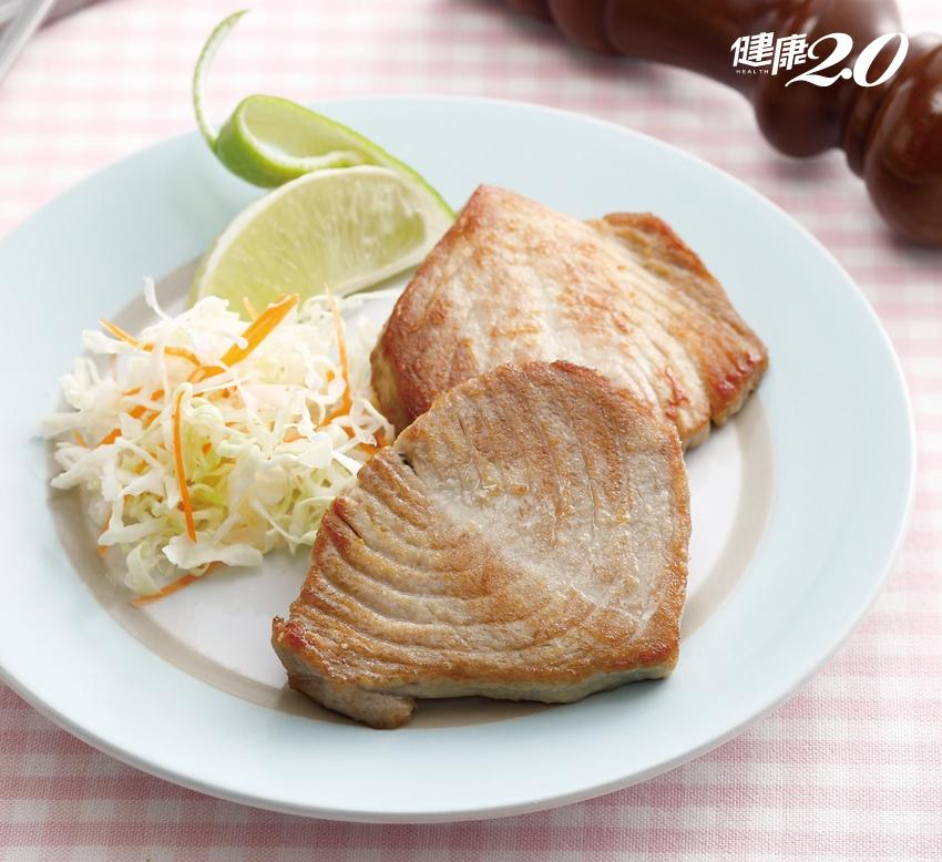預防膽固醇過高 1碗燕麥粥、2片鮪魚拯救「血管發炎」危機