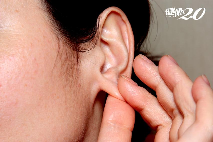 早上離不開被窩…1分鐘「捏捏耳朵」消除浮腫、讓你神清氣爽