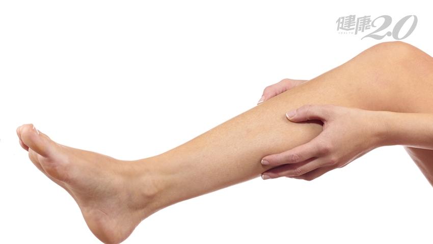 坐太久容易靜脈栓塞 除了起身運動,這樣轉動腳板也預防