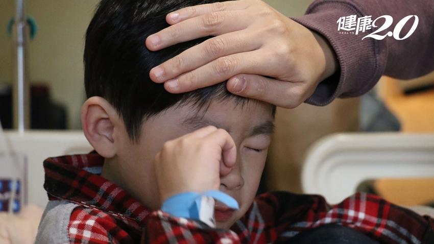 醫師提醒:小孩發燒「千萬不要」用手摸額頭