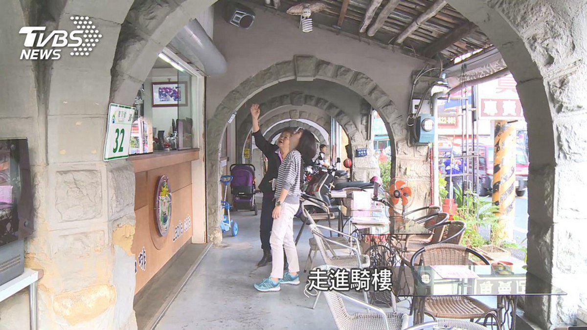 旗山老街好吃好逛9亮點:日洋混搭車站、全台唯一「亭仔腳」、香蕉鳳梨酥