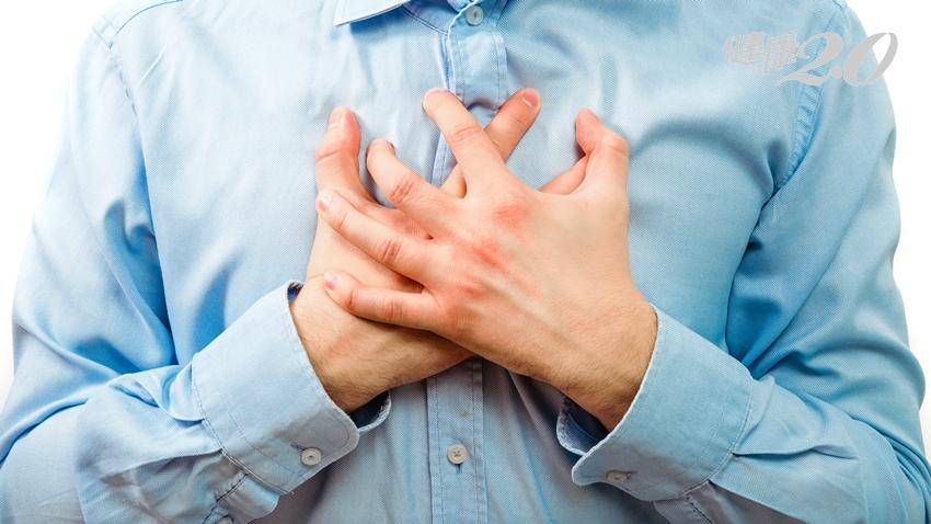 胸悶誤認為「火燒心」…男業務員差點心肌梗塞險送命