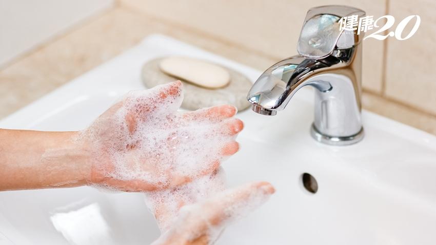 一次搞懂酒精、漂白水及次氯酸水該怎麼用!醫師教正確使用 有效又健康