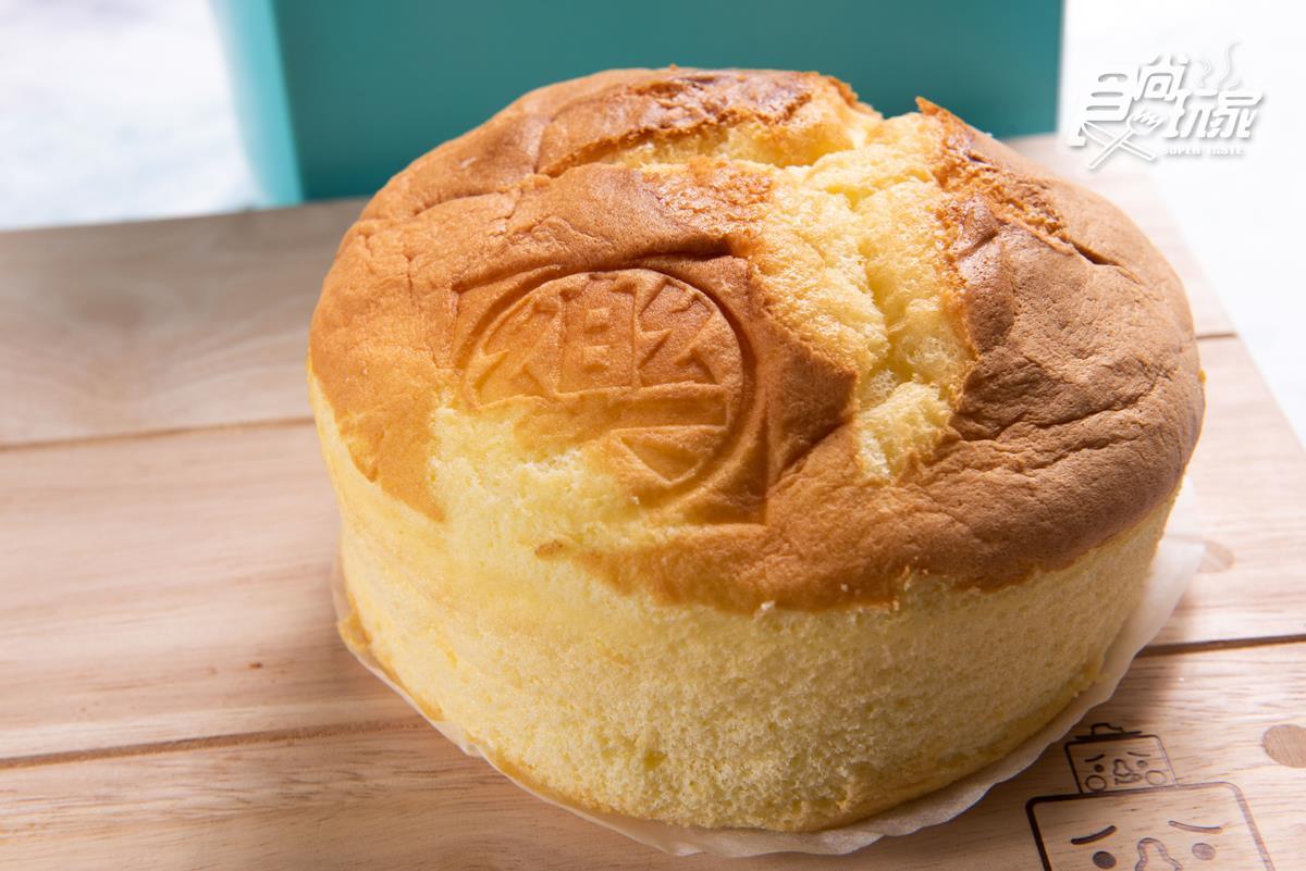 這個古早味布丁蛋糕會「爆漿」!網路搶購好熱門,每月賣超過3000個