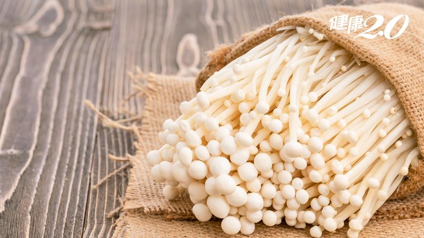 美國傳出吃金針菇感染李斯特菌死亡 遠離食物中毒至少做到2件事