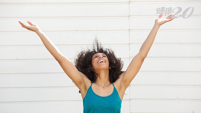 壓力大到讓人笑不出來?「快樂呼吸法」3分鐘就見效